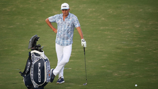 Rickie Fowler with untucked shirt.jpg_9898365_ver1.0_640_360